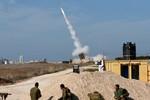 Israel bất ngờ nã 20 quả đạn pháo sang biên giới Li-băng