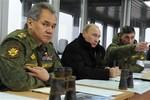 Putin cùng Bộ trưởng Quốc phòng xem tập trận gần Ucraine