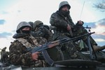 """Kiev bắt đầu """"hoạt động chống khủng bố"""", phe biểu tình rời 1 trụ sở"""