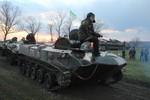 Xe tăng, pháo tự hành Ukraine đang áp sát Slaviansk