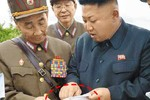 Triều Tiên công bố ảnh Kim Jong-un lộ mục tiêu thật của tập trận