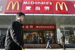 McDonald Trung Quốc tê liệt vì... thịt bẩn