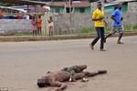 Nhiều thi thể người nhiễm bệnh Ebola đang bị vứt bỏ giữa đường