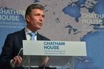 Chuyên gia: NATO thiếu cả tiền và quân sự để đối phó với Nga