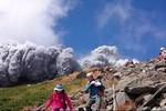Núi lửa Ontake ở Nhật Bản bất ngờ tỉnh giấc, ít nhất 3 người tử vong