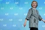 """""""Bà Clinton cần giữ khoảng cách với Obama thời điểm này"""""""