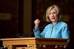 """Hillary Clinton: """"Người Mỹ nên thông cảm và tôn trọng kẻ thù"""""""