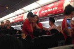 Khách Trung Quốc tạt nước nóng vào mặt tiếp viên Thai AirAsia