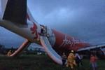 Thêm một máy bay khác của AirAsia gặp sự cố khi hạ cánh tại Philippines