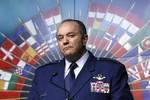"""NATO tuyên bố """"dứt tình"""" với Nga"""