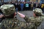 Báo Đức: Dân Ukraine trốn nghĩa vụ quân sự hàng loạt