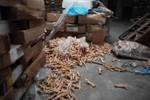 Đột kích kho thịt đông lạnh hàng nghìn tấn quá hạn đến 40 năm ở Trung Quốc