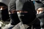Right Sector và cảnh sát Ukraine đấu súng