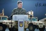 Báo Nga: Poroshenko đã có cớ để nhổ cái gai Right Sector