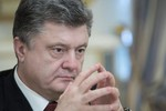 Poroshenko hy vọng giành quyền kiểm soát Donbass sau khi cấp quyền tự trị