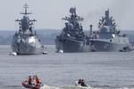 """Tướng Mỹ cảnh báo về """"vòng cung thép"""" của Nga"""