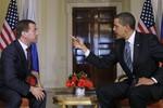 Vì sao Mỹ từ chối tiếp Thủ tướng Nga Medvedev?