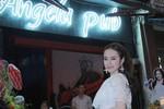 Angela Phương Trinh chính thức khai trương quán bar ngày bị cấm diễn