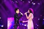 Lê Hiếu, Văn Mai Hương nắm tay tình tứ trên sân khấu sau chia tay
