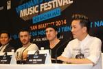 """Quán quân The X-Factor Anh """"sợ bị BTC Việt tống cổ"""""""
