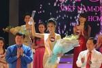 """Hoàng Thị Phương Thảo đăng quang """"Nữ sinh viên Việt Nam duyên dáng"""""""
