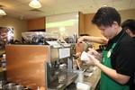 Bên trong cửa hàng Starbucks đầu tiên tại Việt Nam