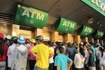 Hàng loạt ngân hàng sẽ thu phí ATM nội mạng 1.000 đồng/lần