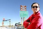 Ông Phạm Đình Nguyên đổi tên thị trấn nước Mỹ, kinh doanh cà phê