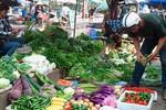 Trái cây, hoa quả, thực phẩm chay đồng loạt tăng giá rằm tháng bảy