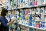 Áp trần, giá sữa sẽ giảm từ 50.000 - 70.000 đồng/hộp
