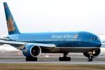 200 hành khách Vietnam Airlines trễ chuyến vì chờ... 1 khách VIP