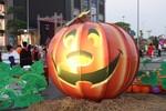 """Halloween """"kỳ bí"""" tại Vinhomes Riverside"""
