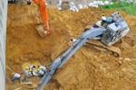 Sáng nay, đường ống nước sạch Sông Đà vỡ lần thứ 10