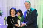 Tổng giám đốc Vinamilk nhận giải thưởng từ Thủ tướng New Zealand