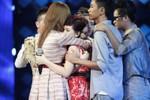 Hương Giang Idol ôm chặt Thanh Trúc