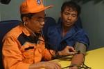 Cứu 13 ngư dân bị nạn trước khi bão Kai Tak đổ bộ vào Biển Đông