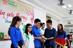 233 vé xe miễn phí cho sinh viên khó khăn về quê đón Tết