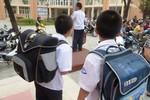 Chiếc ba lô học sinh Tiểu học và chuyện bài tập về nhà