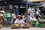 Một ngày Sài Gòn kiếm tiền bằng 1 năm ở quê