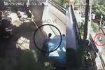 Clip: Lừa bảo vệ phá khóa trộm xe SH trong 3 giây