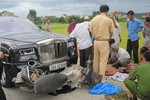 Siêu xe Rolls-Royce Phantom rồng của đại gia phố núi đâm chết 2 người