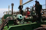 Bắt TGĐ Petimex buôn lậu gần 6.000 tấn dầu
