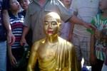 Sư trụ trì thay tượng Phật cổ bằng tượng mình ở Hà Nội