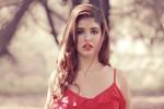 'Bông hồng lai' lạ lẫm và rực rỡ Andrea Aybar