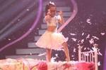 Cô bé 7 tuổi quậy 'tanh bành' sân khấu Got Talent