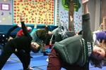 Bố mẹ kiện trường học vì dạy yoga cho học sinh