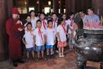Chùm ảnh: Học sinh xuất sắc trường Ngôi Sao dâng hương tại Văn Miếu