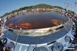 Trung Quốc: Chục ngàn người cùng ăn nồi bún ốc đường kính 10 m