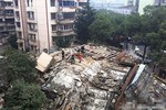 Trung Quốc: Tòa nhà 5 tầng bỗng dưng sụp đổ