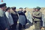 """Hình ảnh Kim Jong-un trực tiếp hướng dẫn """"đội cảm tử"""" bắn tỉa"""